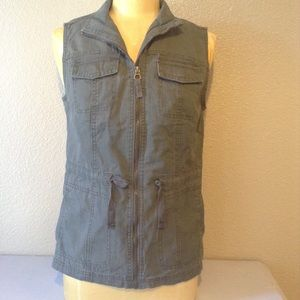 ANew Day Cargo Vest. 🌿.  NWT